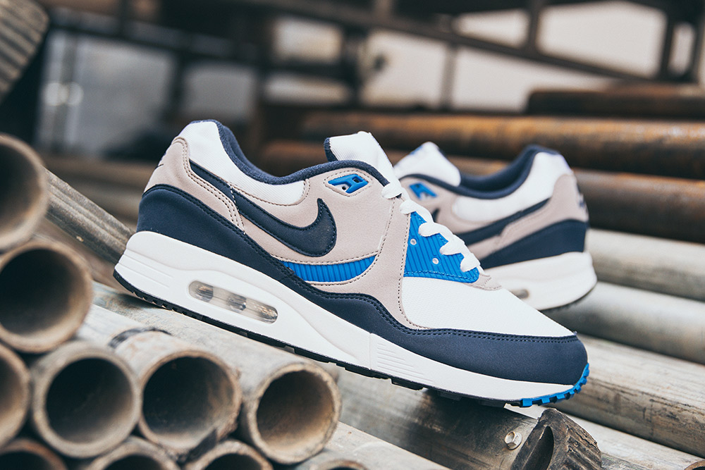 Nike Air Max Light 'White/Obsidian'| Now Available