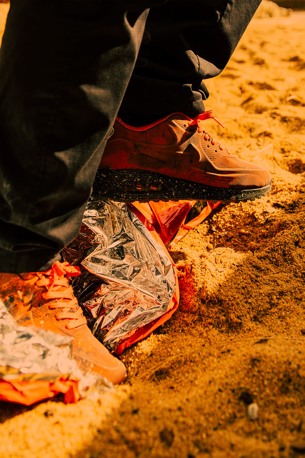 nike air max 90 mars landing on feet - photo #38