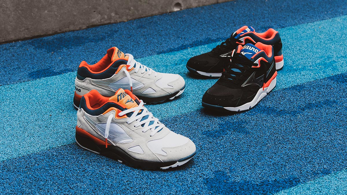 Mizuno Sky Medal S 'Vapor Blue/Spicy Orange' & 'Black/Fiery Coral' | Now Available